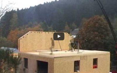 Vidéo: Montage d'une ossature bois pour des maisons jointives à Martelange
