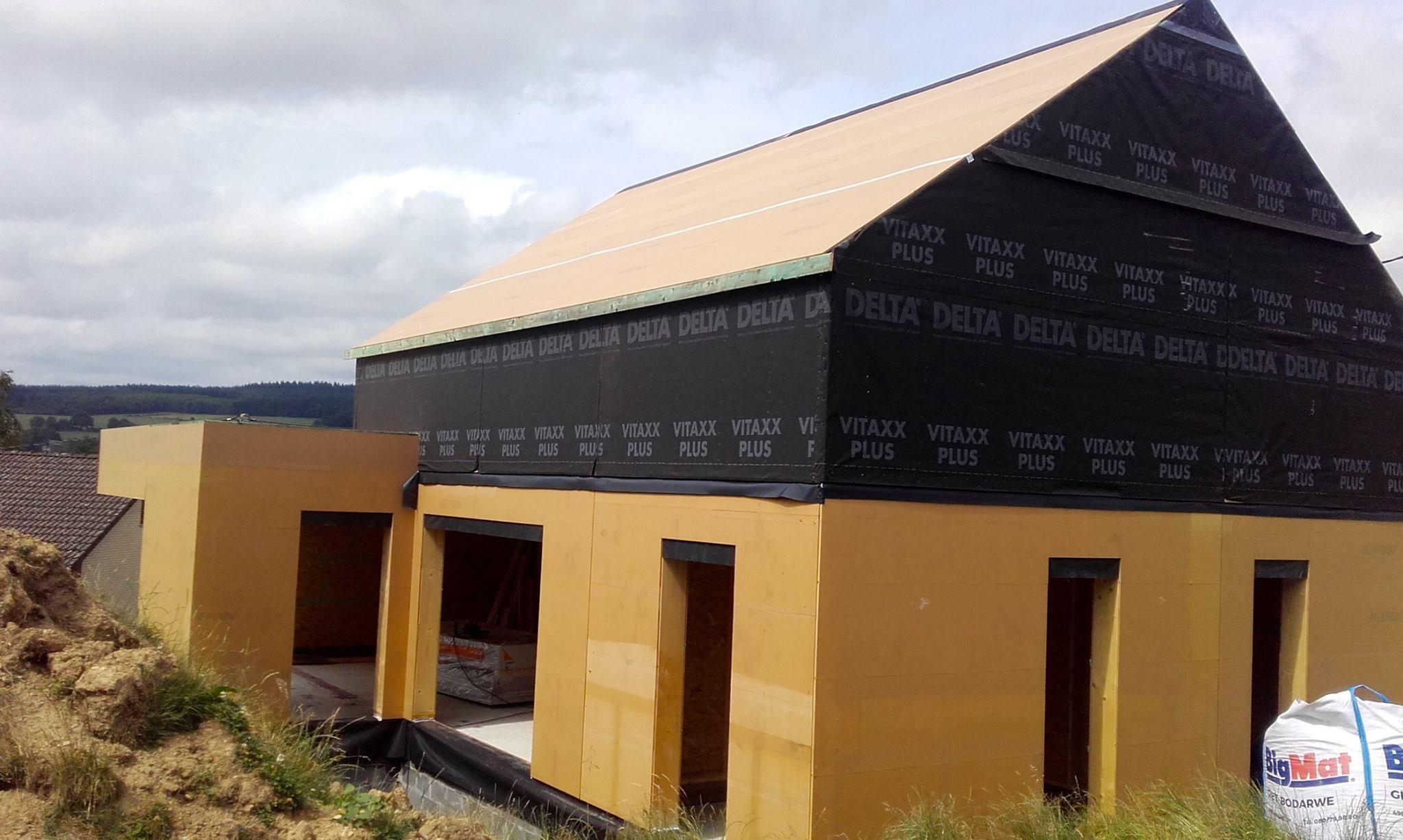 Montage d'une ossature bois pour une maison unifamiliale à Ligneuville (Malmedy)